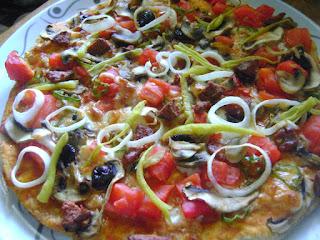 Mediterranean Home Made Pizza (Akdeniz Usulu Pizza)