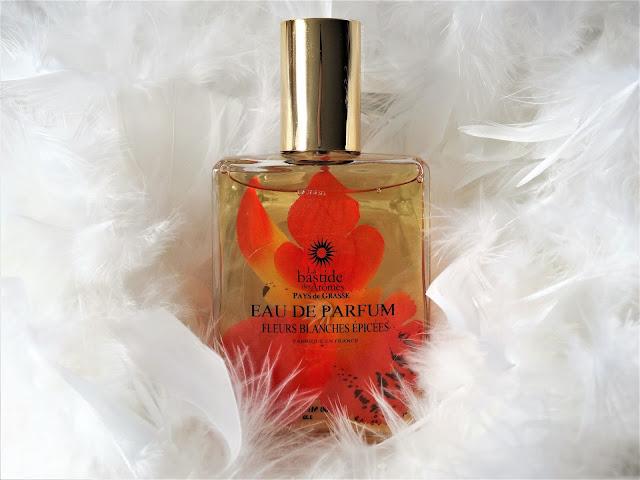avis Fleurs Blanches Épicées de La Bastide des Arômes, parfum oriental, parfum de grasse, blog parfum, blog bougie
