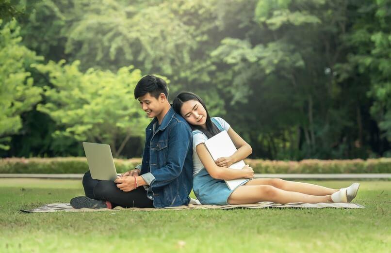 ganar dinero por Internet para jóvenes productivos