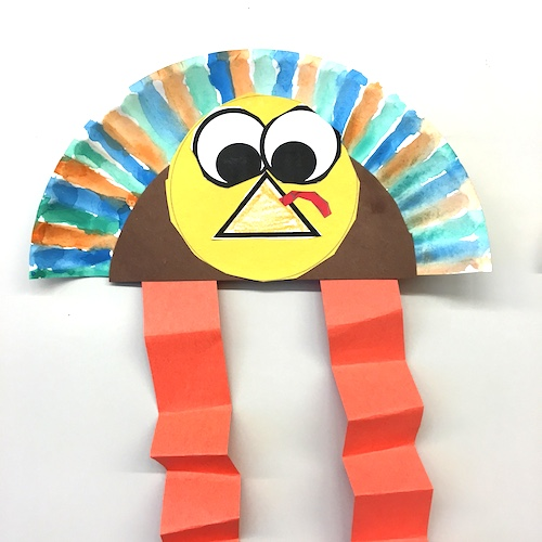 Lots of Thanksgiving Ideas for the primary classroom (K to 2). Roll a Feather math game, Patterned Turkey art, Turkey Bump, Thankful Turkey booklets and MORE! All but one is FREE. #thanksgiving #gradeonederful #firstgrade #turkeyart
