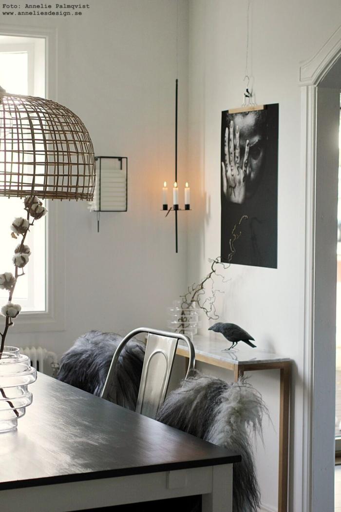 annelies design, webbutik, webshop, nätbutik, inredning, ljusförvaring, ljus, förvara, väggen, på vägg, hängande ljusstake, tavla, tavlor, annelie, matsal, kök, förboka, inredning, inredningsdetaljer, svart och vitt, svartvit, svartvita, svarta och vita, dekoration, hållare, för ljus,