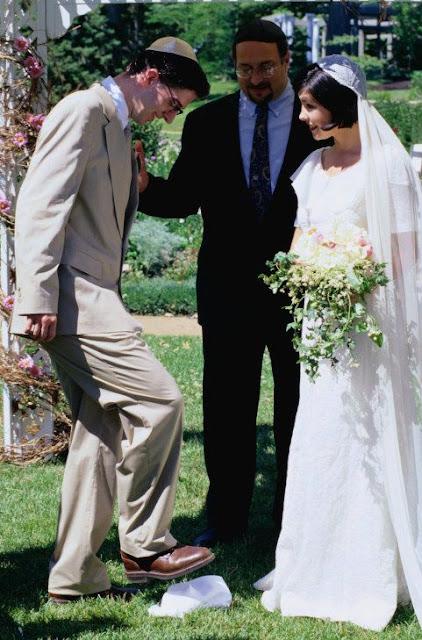 Casamento judeu, copo quebrado