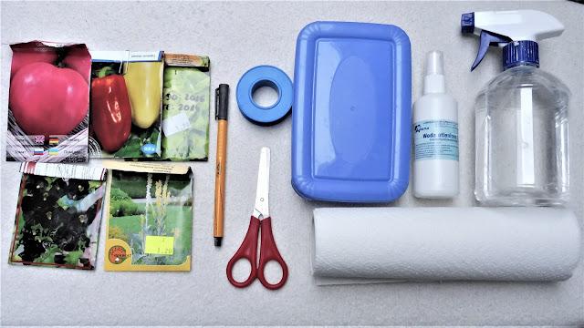torebki z nasionami nożyczki spryskiwacz nożyczki woda utleniona ręcznik papierowy pudełko taśma