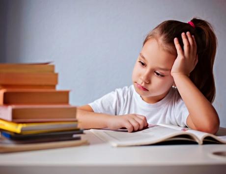 كيف أتجاوز قلق الإمتحانات و فوبيا التحصيل الدراسي
