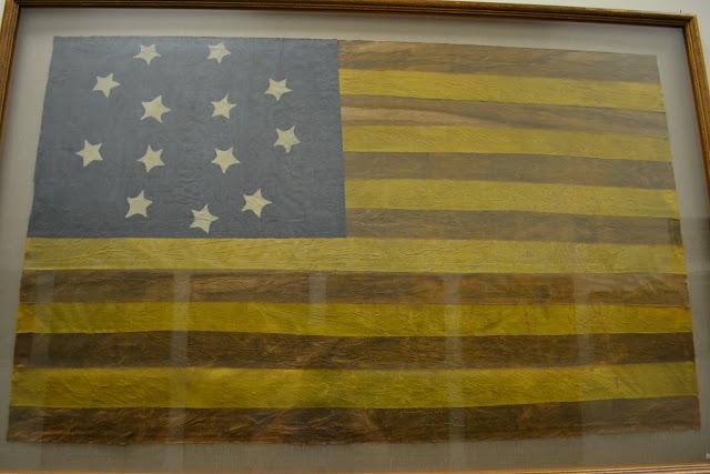прапор CША 1777 року.Музей військової авіації, штат Делавер (1777 USA Flag. Air Mobility Command Museum, Dover, Delaware)