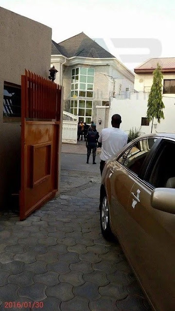 ARMS FRAUD SAGA: Former PDP Chairman, ADAMU MU'AZU in Trouble as Heavily Armed EFCC Officials Takes Over his Mansion [SEE PHOTO]