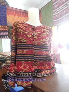 Baju Tenun Kombinasi Bulu-Bulu