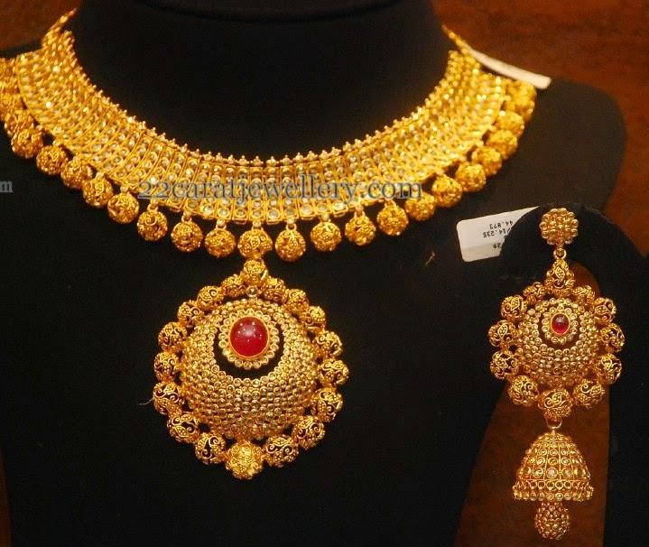 Uncut Choke With Tremendous Choker Jewellery Designs
