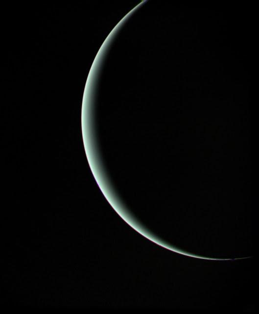 Urano crescente - Voyager 2