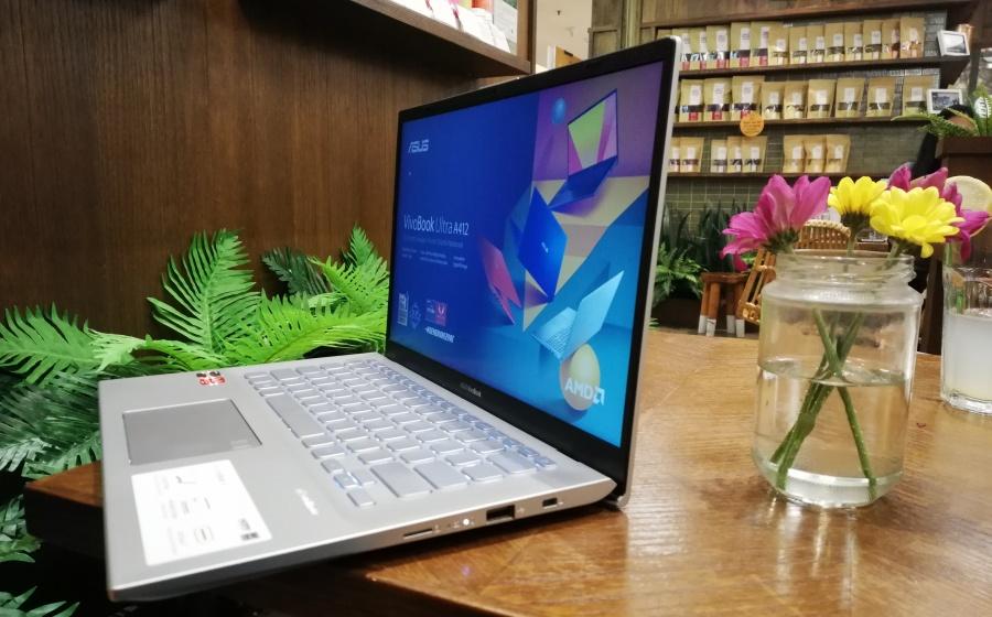 ASUS VivoBook Ultra A412D dengan engsel ErgoLift
