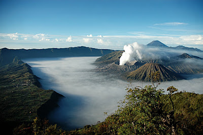How to get the top of mount bromo