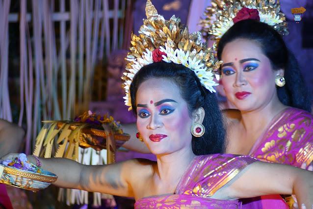 Danzas en el palacio de Ubud