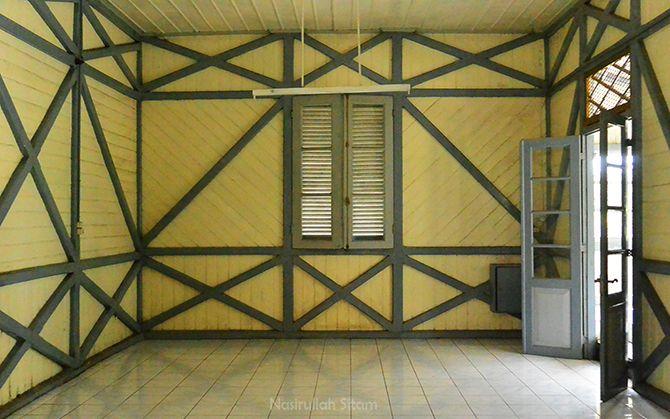 Kondisi bagian dalam ruangan Stasiun Lama Maguwo