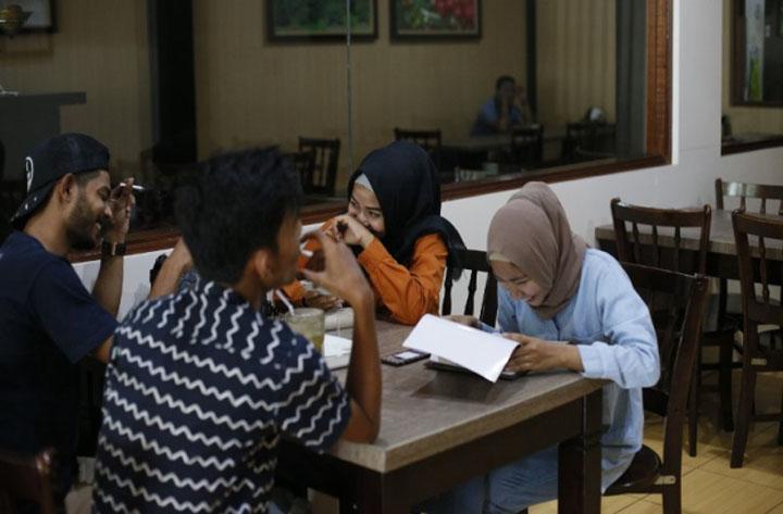 Lelaki dan wanita di Aceh, Indonesia