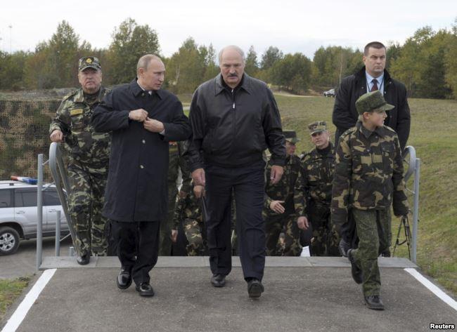 Российская Федерация может разместить склады с военной техникой и оружием в Беларуси