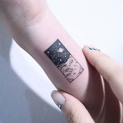 ay ve uzay dövmesi space and moon tattoo