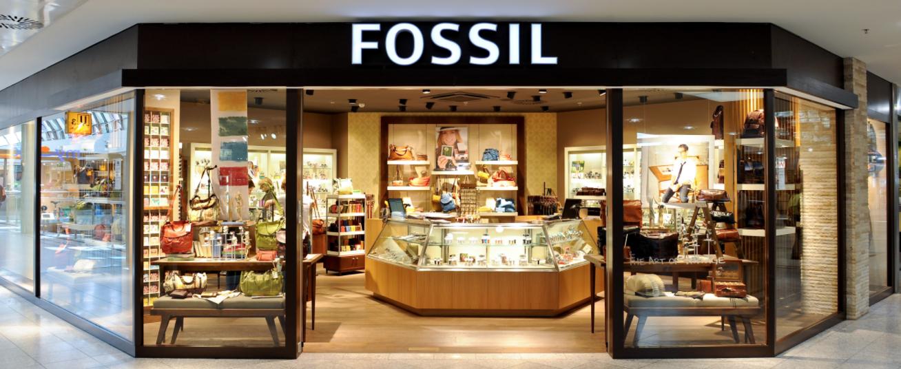 11b294c36 FOSSIL. by CK. As roupas e bolsas deles são incríveis e os relógios, os  meus preferidos. Vá em uma das lojas, são várias nos Estados Unidos,  procure a que ...