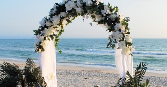 Inspiration Outoor Ceremonies: Wedding Inspiration: An Outdoor Ceremony Aisle