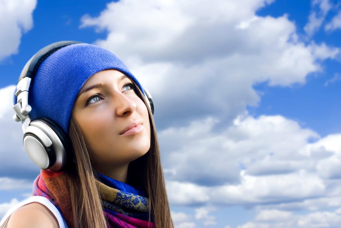 Music Girl Headphones Wallpaper Qq Wallpapers People With Headphones Music Wallpapers