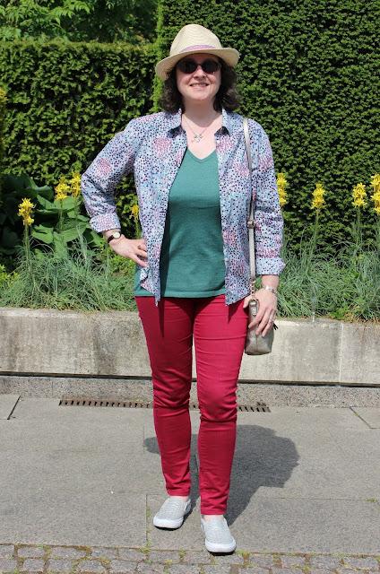 Dorothy Perkins Petite Jeans, Boden Petite Shirt, New Look Trilby Hat | Petite Silver Vixen