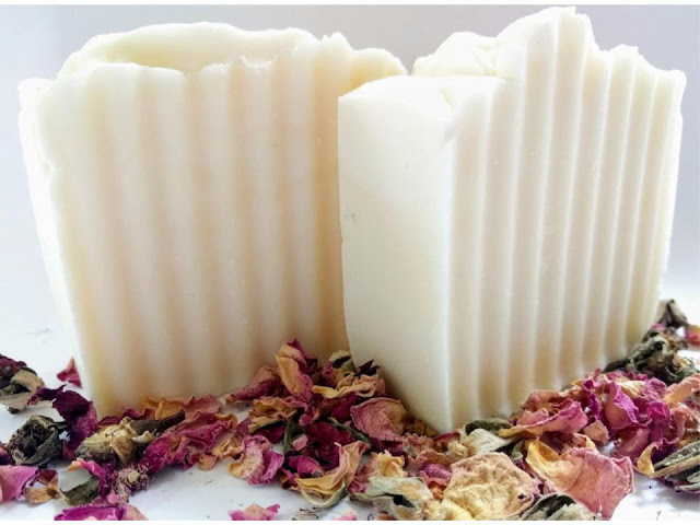 Easy Recipe and Guide fro Making your own soap