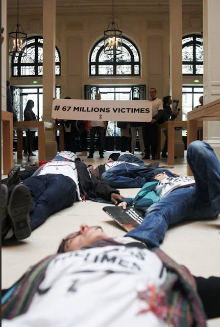"""screen-shot-2018-04-07-at-11-32-23-am-e1523265148733 French activists have decided to """"die"""" at the Apple store Apple"""