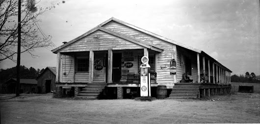 IMAGES OF OUR PAST - CLAXTON FARM STORE - 1952, DUBLIN, GEORGIA