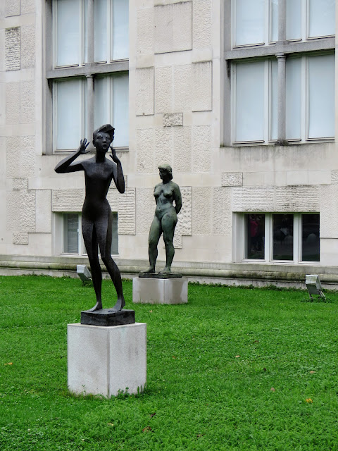 Ljubljana in 3 days: sculpture outside the Museum of Modern Art