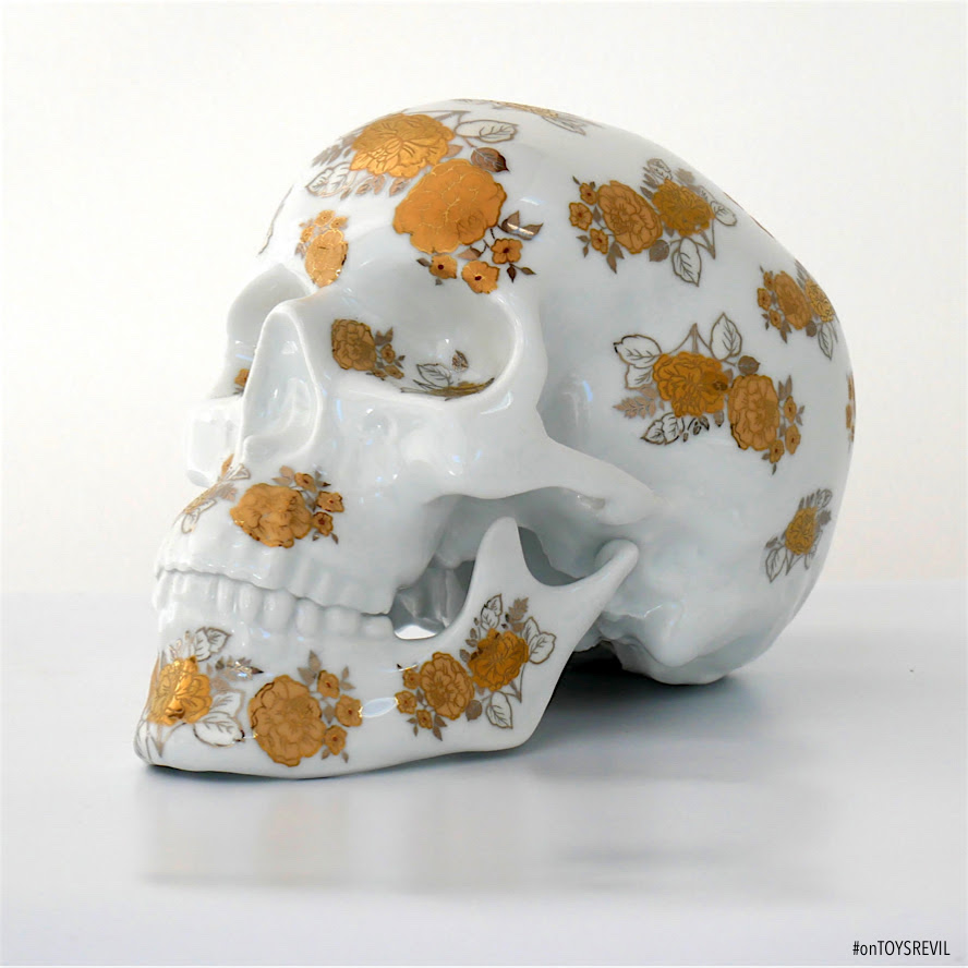 After Several Series That Have All Been Sold Here Is His New Skull The One Always Combines A White Porcelain With Beautiful Golden Decor