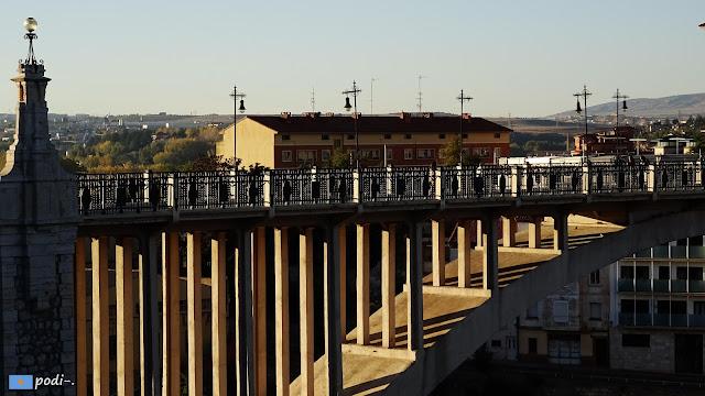 Viaducto peatonal en Teruel. Centro histórico - ensanche. Fernando Hué