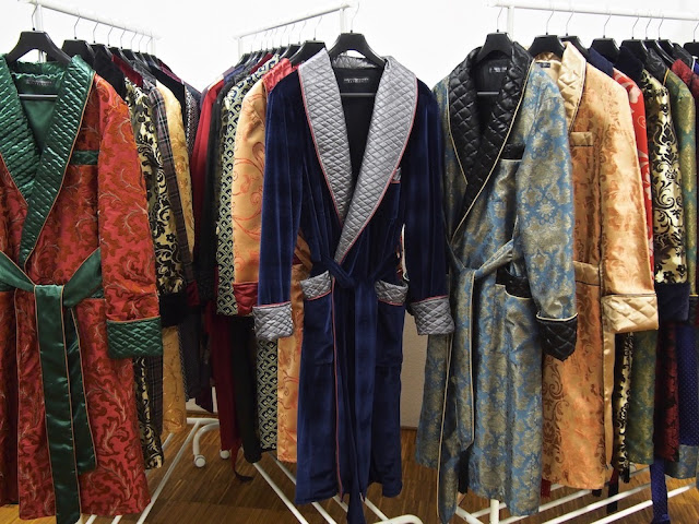 Men's luxury paisley silk dressing gown gentleman's quilted robe velvet smoking jacket for men