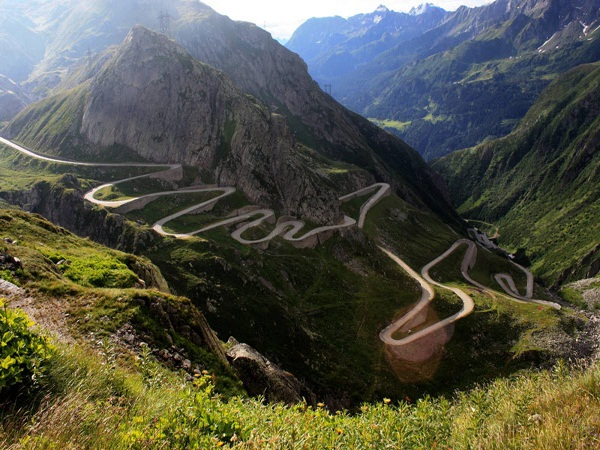 amazing roads to drive on