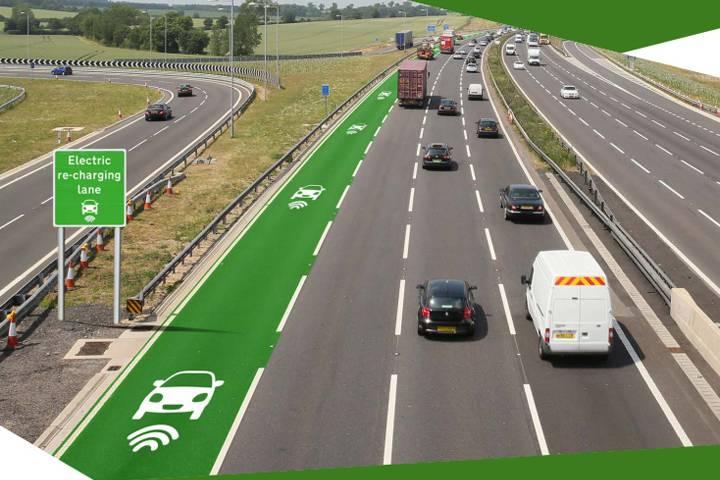 英國首見「電動車專用車道」,免停車也能充