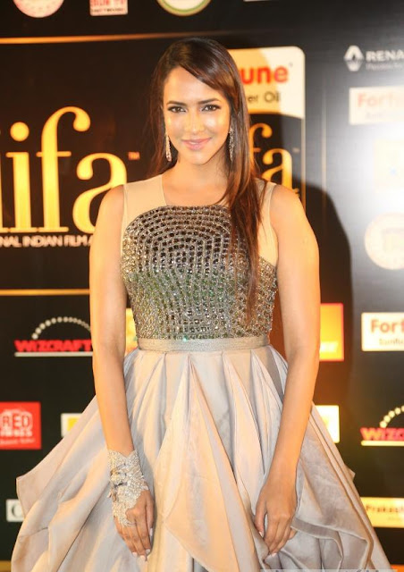 Lakshmi Manchu Photos at IIFA Utsavam Awards 2016