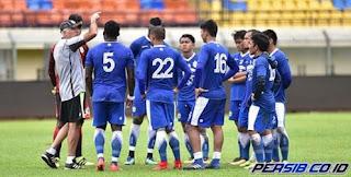 Persib Bandung Bawa 20 Pemain ke Batam, Lima Pemain Absen