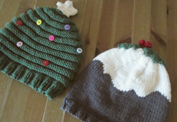handknitted xmas hat pattern - Our Handmade Home