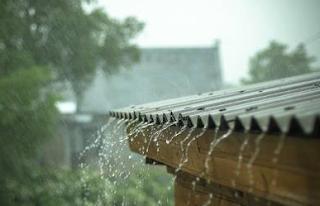 Tips Liburan Saat Musim Hujan