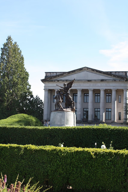 The Winged Victory sculpture in Olympia commemorates Washington's fallen WWI soldiers.