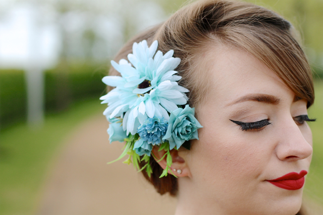 Collectif blue hair flower