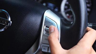 Ilustrasi cruise control pada mobil. Foto : TribunOtomotif.. http://www.tribunnews.com/otomotif/2016/02/29/hindari-gunakan-cruise-control-saat-masuk-jalanan-perkotaan