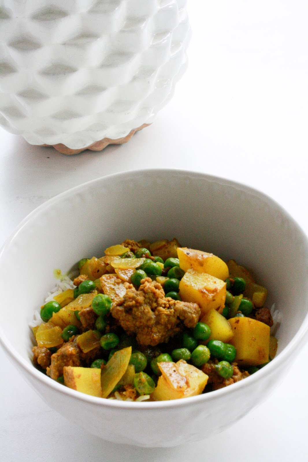 Jadoregrace southern lifestyle blog easy beef curry happy friday guys joe and i have decided that we eat out too much on the weekends and are really trying to stick to our goal of eating out 4x a month forumfinder Images