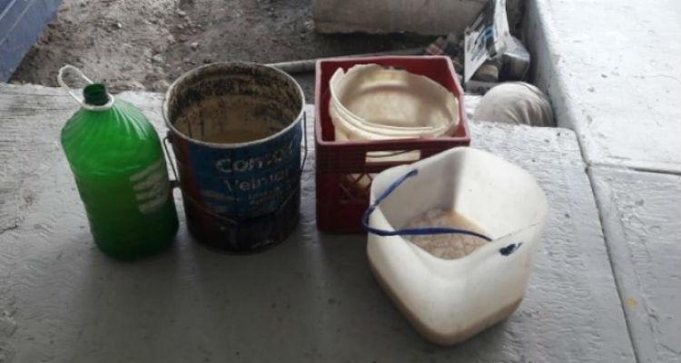 Arruinan festejos patrios en reclusorios; les decomisan 309 litros de pulque clandestino.