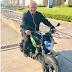 Vicente Fernández comparte fotos para mostrar que está bien