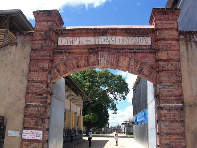 Entrée du Camp de la transportation en Guyane