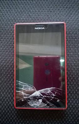 Thay man hinh Nokia Lumia 520 gia re