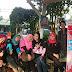 SMK Prajnaparamita & CV. Probahasa Translation Berbagi Takjil di Taman Trunojoyo Stasiun Kota Malang