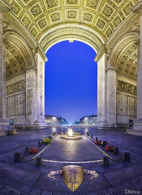 Tomb of the Unknown Soldier Arc de Triomphe Paris