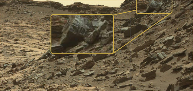 "Look at the size of this amazing ""structure on Mars?"""