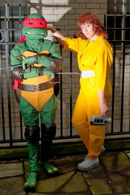 Cosplay April O'Neil, chicas disfrazadas de la reportera de las Tortugas Ninja 11