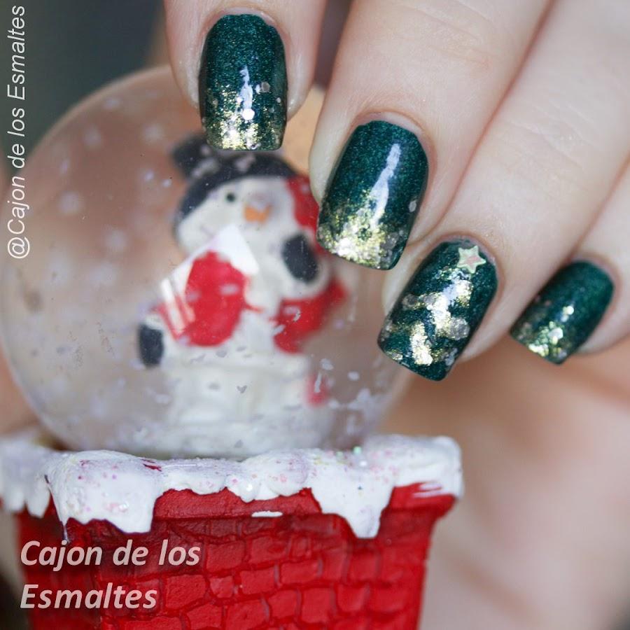 Uñas navideñas - arbol navidad